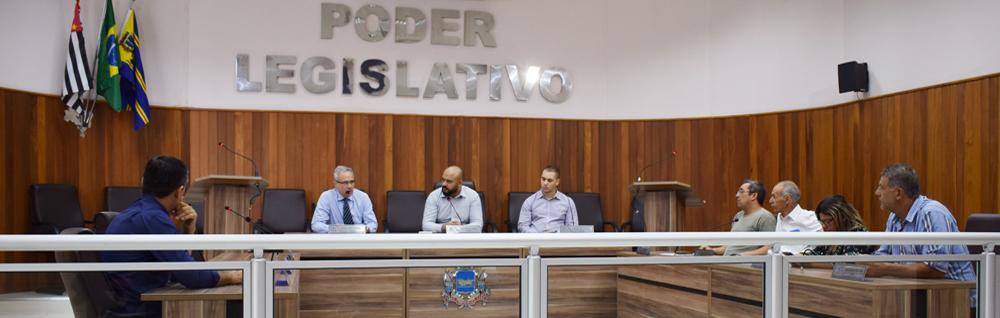 Vereadores participam de reunião com representantes da Caixa